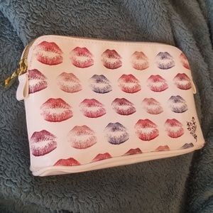 Younique | Lipstick Makeup Bag